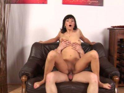 Brunette cougar Jane Black tops Steve Q's throbbing cock
