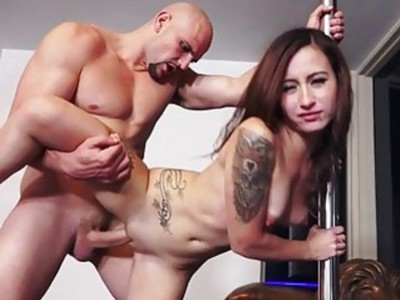 Tight amateur babe pounded in doggystyle