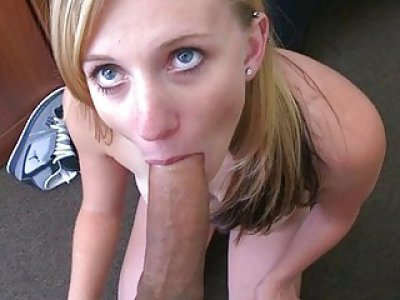 Deepthroat oral job by a brunette hair