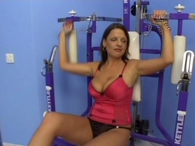 Fugly slut Ann Stefani wankers in a gym and gets her saggy tits sucked hard