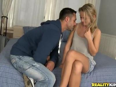 Renato gets his hard rod sucked by hot blonde Vanda
