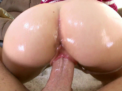 20 yo bitch Miley May shakes that ass as she fucks him in POV
