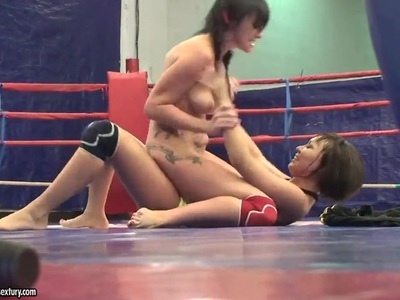 Lexi Ward and Selina in catfight on a ring