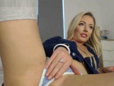 Fine Aussie Blonde Teases Her Smokin' Hot Body