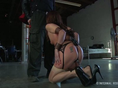 Neck suspension and blowjob by kinky hoe Cici Rhodes